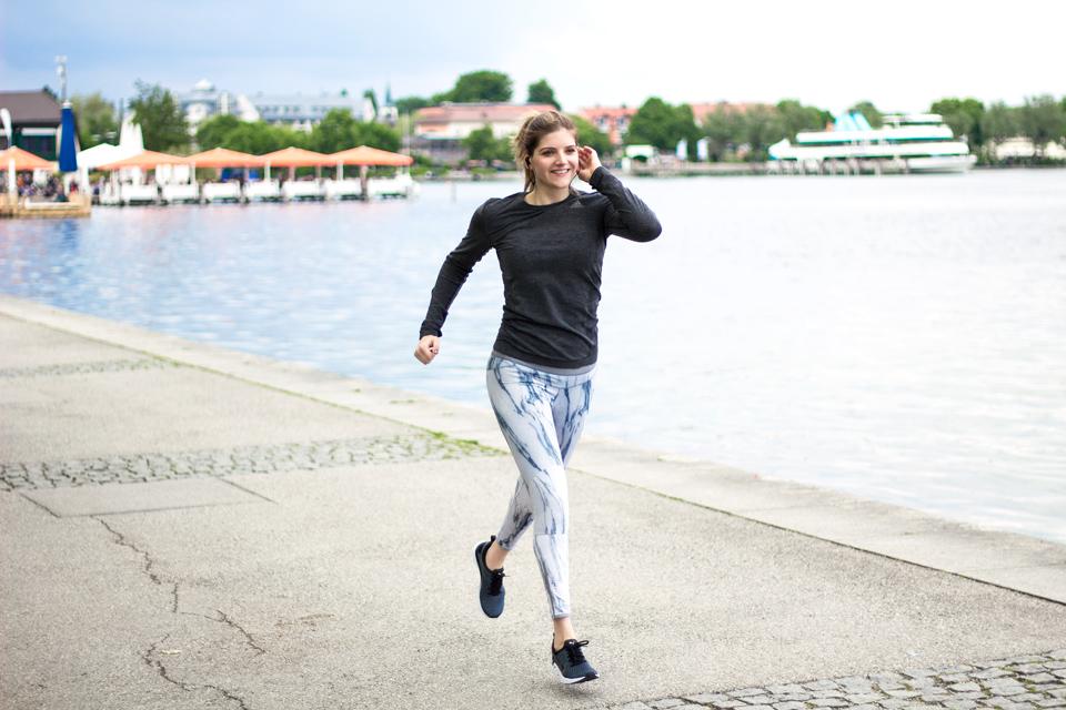 bea-la-panthere-fitnessblogger-lifestyleblogger-fitness-lifestyle-fashion-food-blog-blogger-vegan-hamburg-muenchen-munich-germany-deutschland-jabra-sport-pulse-wireless-11