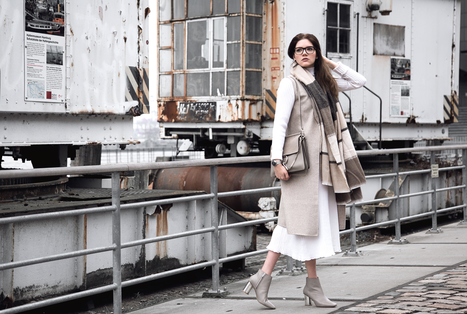 bea-la-panthere-fitness-lifestyle-blogger-blog-vegan-hamburg-muenchen-munich-germany-deutschland-Winter-Layering-Holzhafen-Hamburg-3